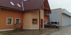 Stavebniny v areále firmy, ul. Lučenská 90, vo V. Krtíši