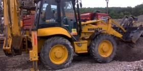 Komatsu - traktor báger